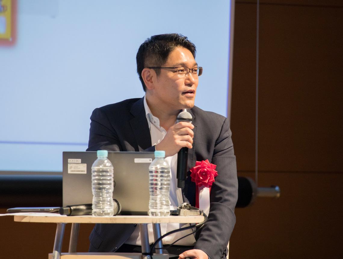 ローソンの小林敏郎氏は、データプラットフォーム利活用のデモを行った。