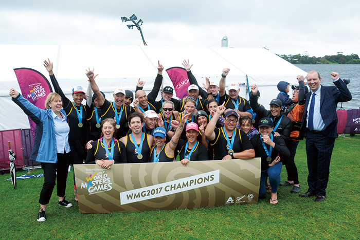 前回大会(2017オークランド大会)の種目「ドラゴンボート」(カヌー競技の一種目)の出場者たち