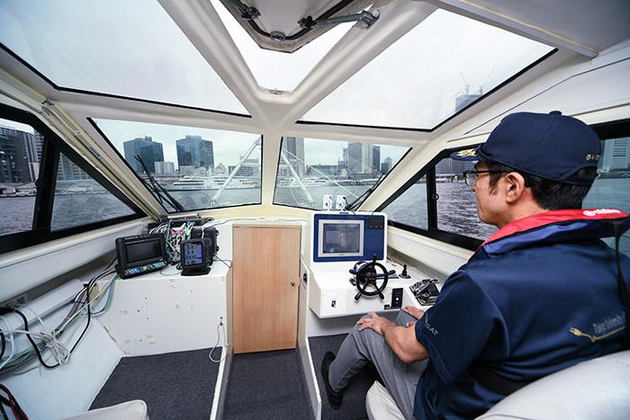船側の操縦士