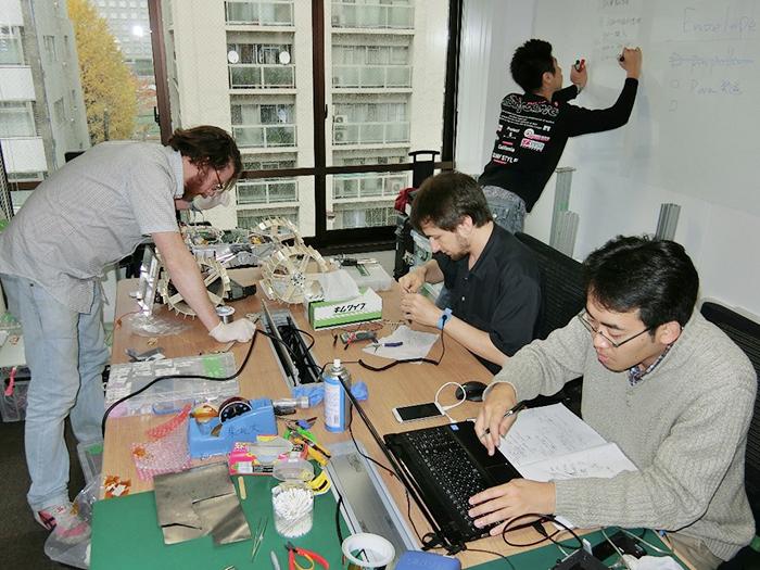 5年前、ispaceが麻布台のビルの一室にオフィスを構えていた時代の貴重な写真。