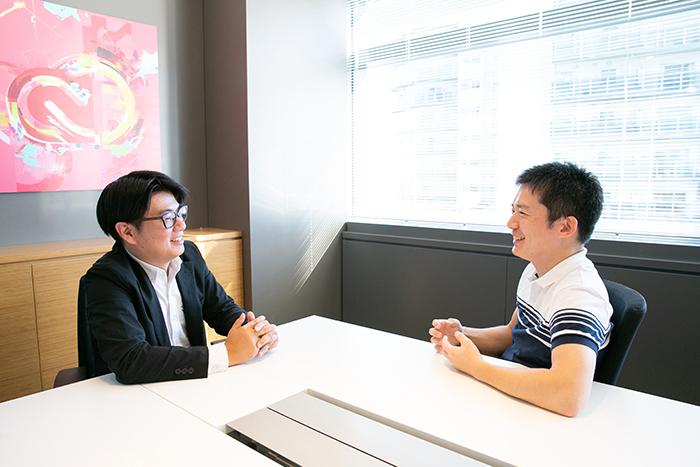 (左から)安西敬介氏、鈴木良和氏