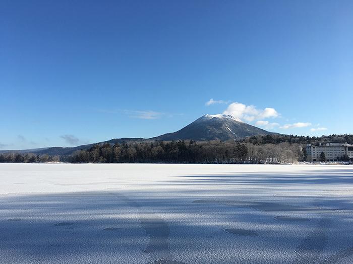 湖面全体が結氷した阿寒湖