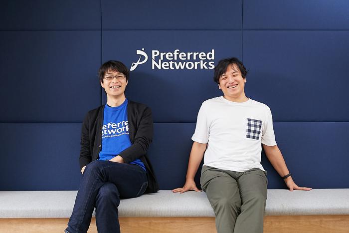 Preferred Networks執行役員 秋葉拓哉氏(左)とAtCoder代表取締役社長 高橋直大氏