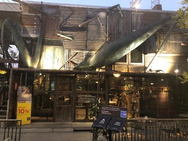 タイの高級昆虫食レストラン