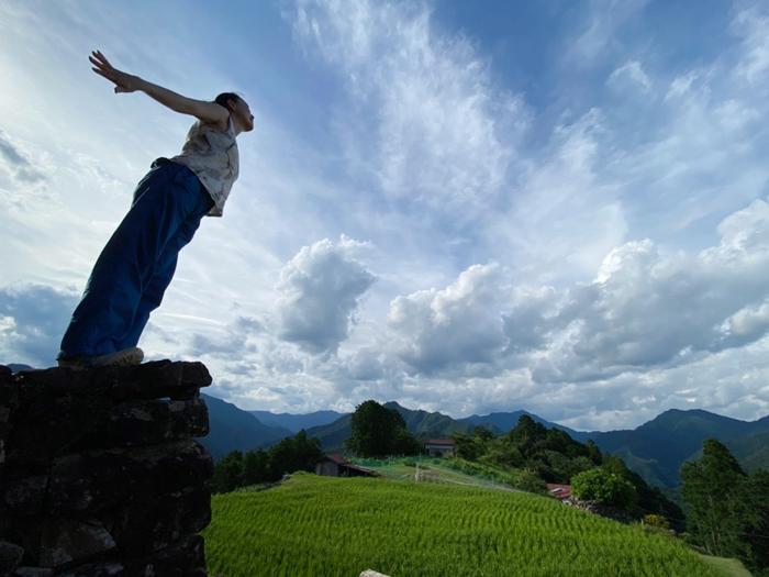 『美しき日本・奈良』の撮影で訪れた十津川村にある「天空の郷(てんくうのさと)」とも呼ばれる、古き良き日本の原風景が残る果無集落にて。