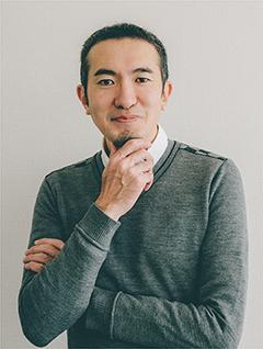「2020年クリエイター・オブ・ザ・イヤー」受賞。電通のグループ・クリエーティブ・ディレクターである眞鍋亮平氏