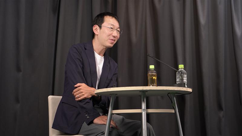 山口周 (独立研究者, 著作家, パブリックスピーカー) 1970年東京都生まれ。独立研究者、著作家、パブリックスピーカー。電通、BCGなどで戦略策定、文化政策、組織開発等に従事。著書に『世界のエリートはなぜ「美意識」を鍛えるのか?』『武器になる哲学』など。慶應義塾大学文学部哲学科、同大学院文学研究科修士課程修了。神奈川県葉山町に在住。