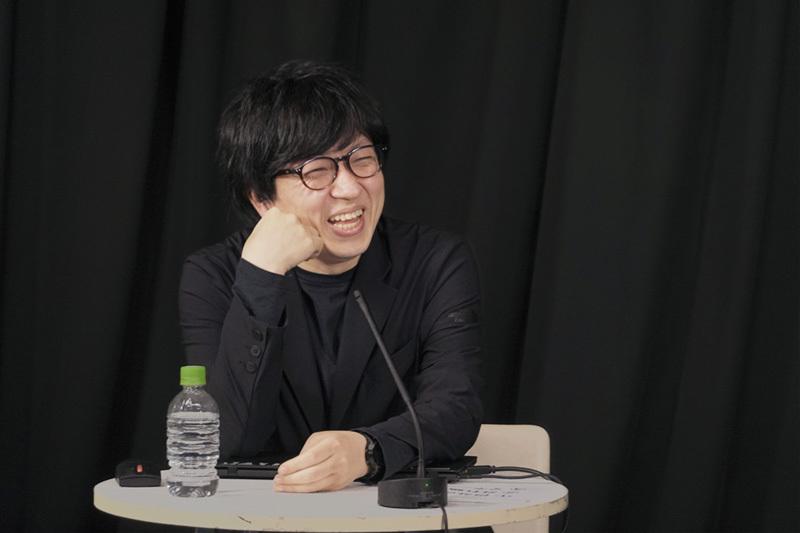 杉山央 (森ビル新領域企画部、一般社団法人Media Ambition Tokyo理事) 学生時代から街を舞台にしたアート活動を展開し、2000年に森ビルへ入社。タウンマネジメント事業部、都市開発本部を経て六本木ヒルズの文化事業を手掛ける。 2018年 「MORI Building DIGITAL ART MUSEUM: EPSON teamLab Borderless」企画運営室長として年間230万人の来館者を達成。世界で最も優れた文化施設等におくられるTHEA Awards、日経優秀製品・サービス賞最優秀賞等を受賞。現在は新領域企画部にて、これからの都市生活に必要な文化施設等を企画している。一般社団法人 Media Ambition Tokyo理事。