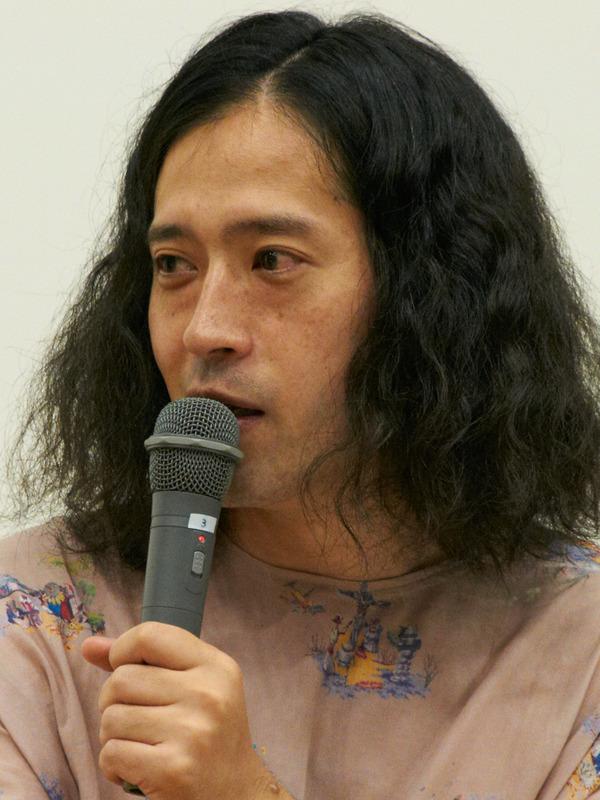 又吉直樹氏(芸人)