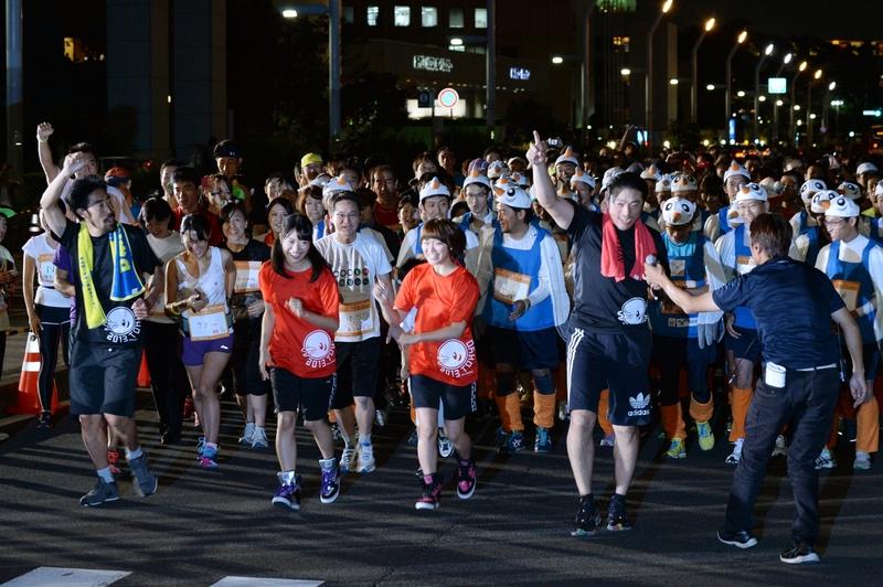 ゲストと一般参加者が一緒にジョギング