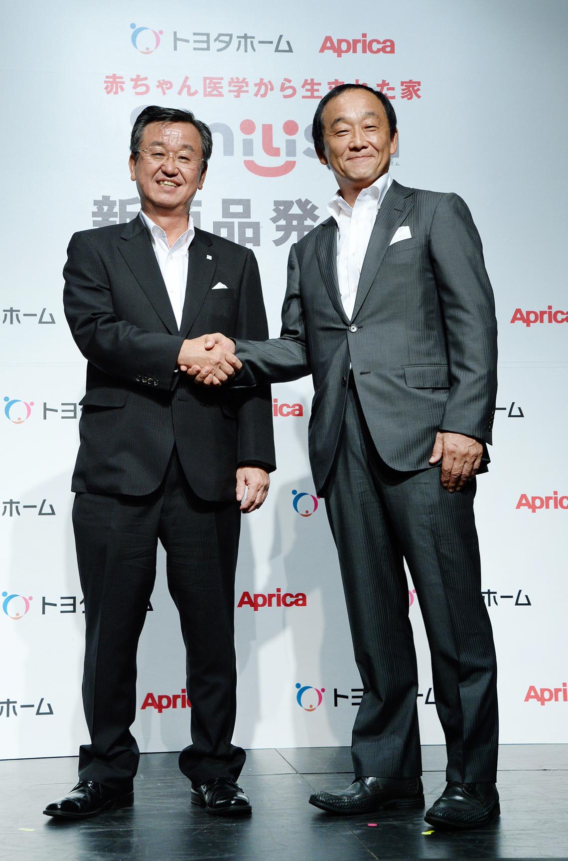 山科社長(左)と前田社長