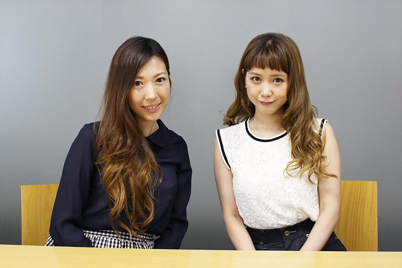 ワカモンのリサーチャー西井美保子さん(左)と「青文字系」モデルの田中里奈さん