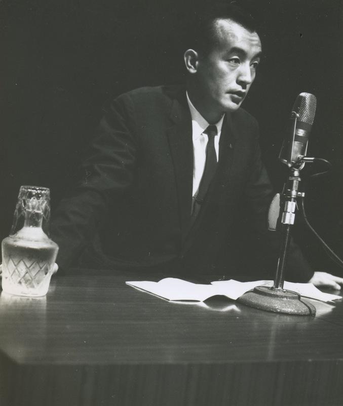 1963年8月夏期広告電通大学で「コピーライターの役割」と題して講義する近藤