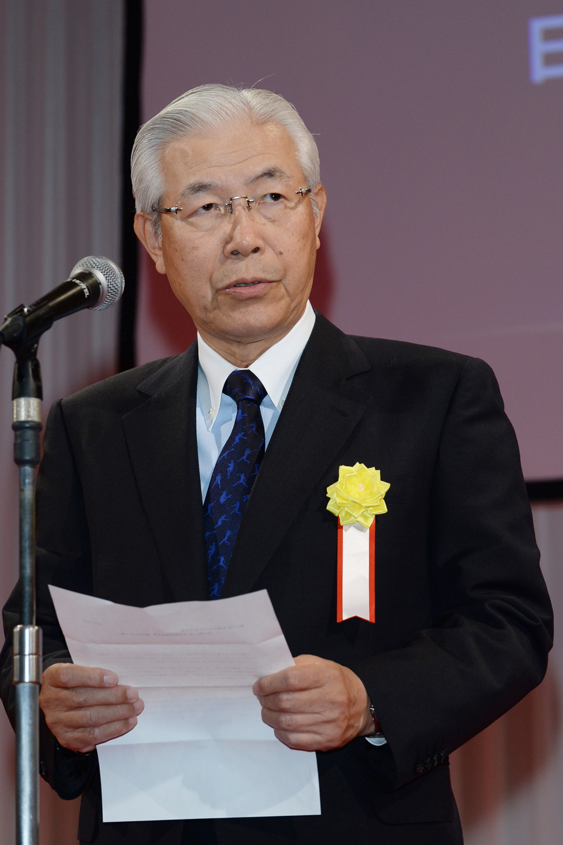 白石興二郎会長 (読売新聞東京本社社長)