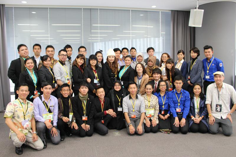 「東南アジア青年の船」の皆さんと電通若者研究部メンバー