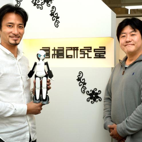 Robiの生みの親 高橋智隆氏が語る コミュニケーションロボットこそ日本の活路(後編)