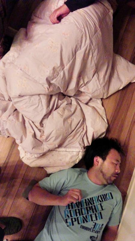 最後は床暖房にやられてオヤスミナサイ
