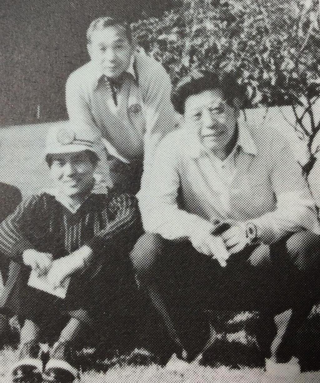 1976年、川名ゴルフ場で成田常務、俣木局長(共に当時)と
